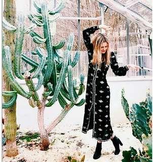 歐美時尚休閒度假日韓系異域吉普賽摩洛哥風情波西米亞民俗風嬉皮v領刺繡圖騰開叉連身長洋裝