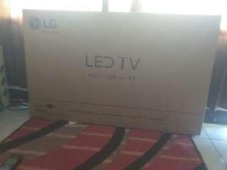 TV LG 43 INCH masih bagus kondisi mulus jarang dipakai