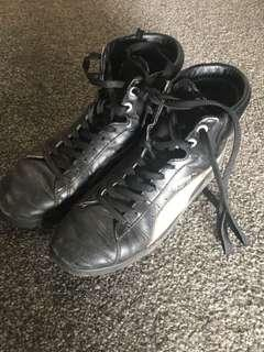 Puma First Round hightop sneakers size 6