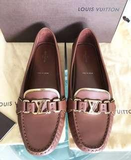 Louis Vuitton Loafers Sz 38
