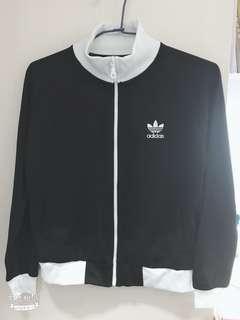 🚚 Adidas 愛迪達外套