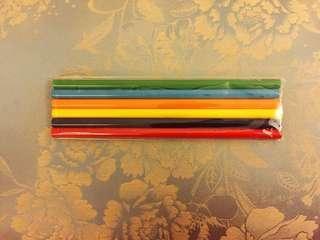 《免費送贈品區》六入裝色鉛筆