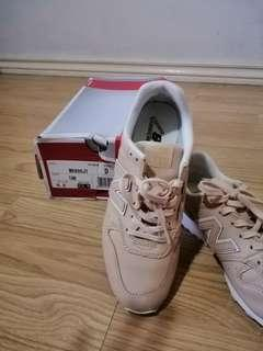 New balance 6.5 authentic leather sneakers