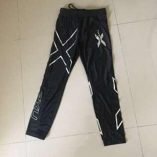 🚚 2xu leggings / tights / rashguard