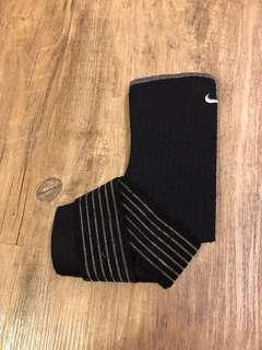 Nike ankle brace, size M us9-11