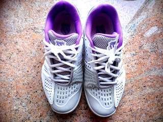 K SWISS 专业网球鞋  37.5号