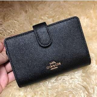 Coach Medium Corner Wallet in Black