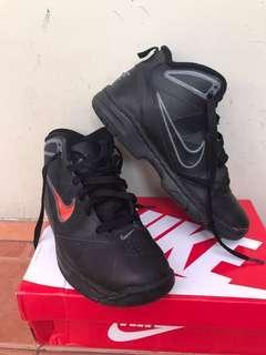 Sepatu nike basket