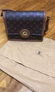 🚚 Louis Vuitton monogram