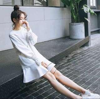 White long sleeves dress
