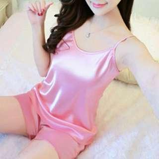 🚚 Silky pink sleepwear set