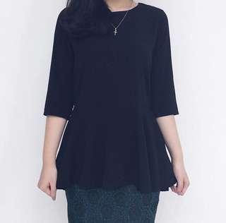 NEW - Black Top size M