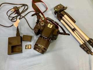 Canon 750D 連鏡頭,防潮箱,SD card及腳架
