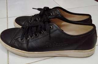 Sepatu kerja jackson