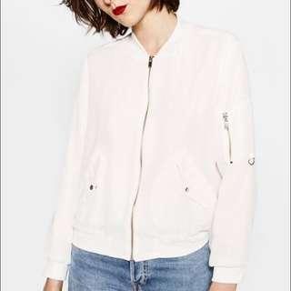 Zara white bomber jacket bukan stradivarius bershka h&m