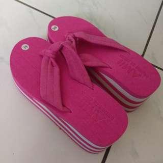 粉色全新鬆高拖鞋