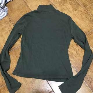 🚚 SALE: BN Brandy Melville khaki brett mock turtleneck top