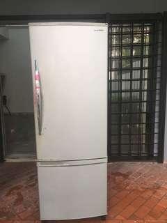 Peti sejuk refrigerator