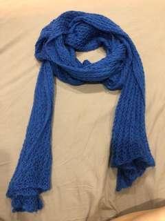 🚚 H&M 寶藍色圍巾