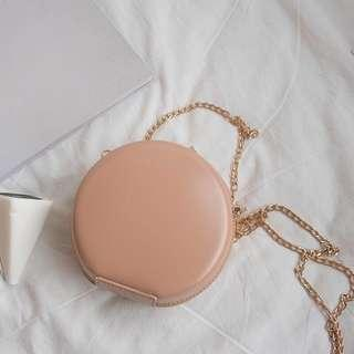 🚚 Round bag in Nude pink PU LEATHER