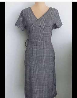 Plus size stretchy plaid wrap dress