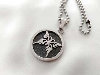 Stainless steel chain necklace and pendant