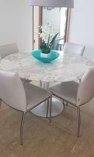 🚚 Marble dining table and leather chairs