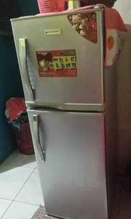 Hanabishi 4.8 cubic ft 2 door refrigerator