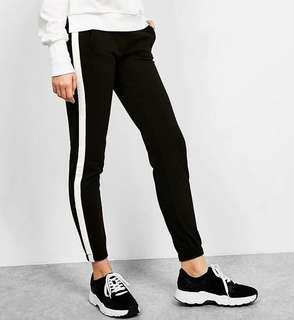 JOGGER OLD NAVY WHITE LIST - Celana joger hitam lis putih
