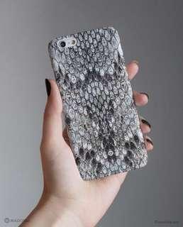🚚 降價!英國品牌 Madotta iPhone XR Case Grey Snakeskin 白灰蟒蛇紋手機殼