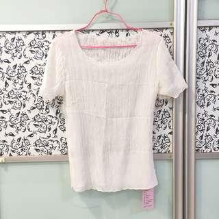 🚚 BNWT White Stretchable Blouse Top Short Sleeves T Shirt Tee