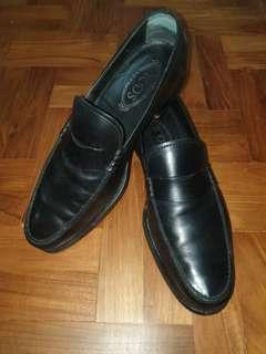 TOD'S Made in Italy Black Leather Shoes