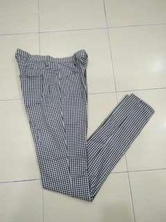 Uniqlo Long Pants/  jegging size M
