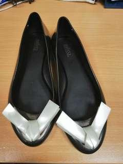🚚 Melissa Shoes Size 37