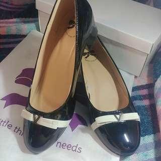 The Little Things She Needs TLTSN Shoes Sepatu Wanita Size 39
