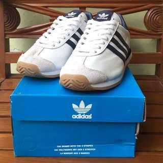 Adidas Originals Country OG White/Navy | Size 5 UK