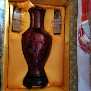 Vintage vase and  龙凤 Chinese seals