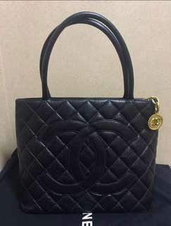 !快閃價!Chanel Medallion Tote Bag 黑金魚子