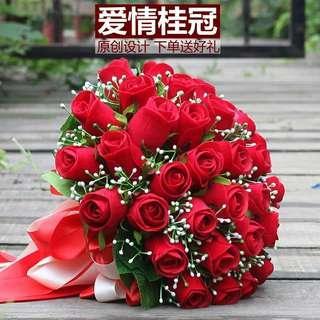 🚚 Wedding Hand Roses Flower Bouquet