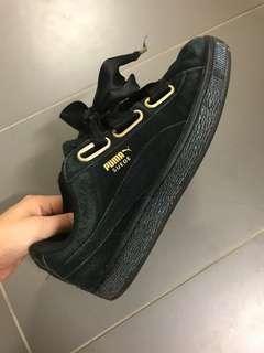 Puma suede sneaker size 37