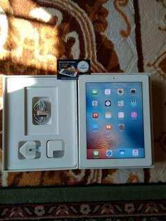 IPad 2 16gb 4G+wifi silver full set