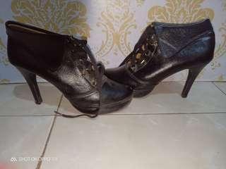 Hels boots