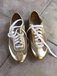 🚚 Coach gold sneakers
