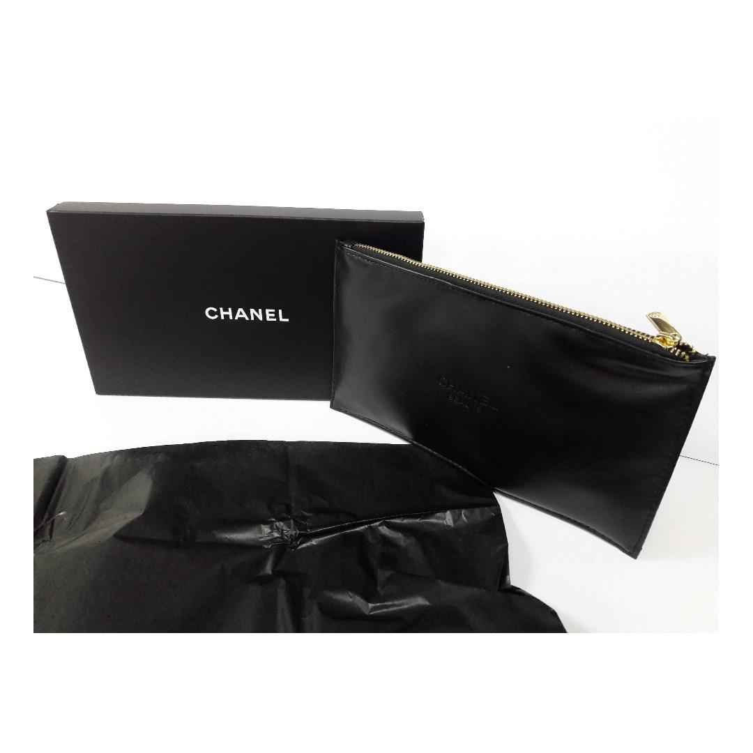 Authentic Chanel Beaute Black Faux Leather Cosmetic Pouch (Limited VIP Gift)