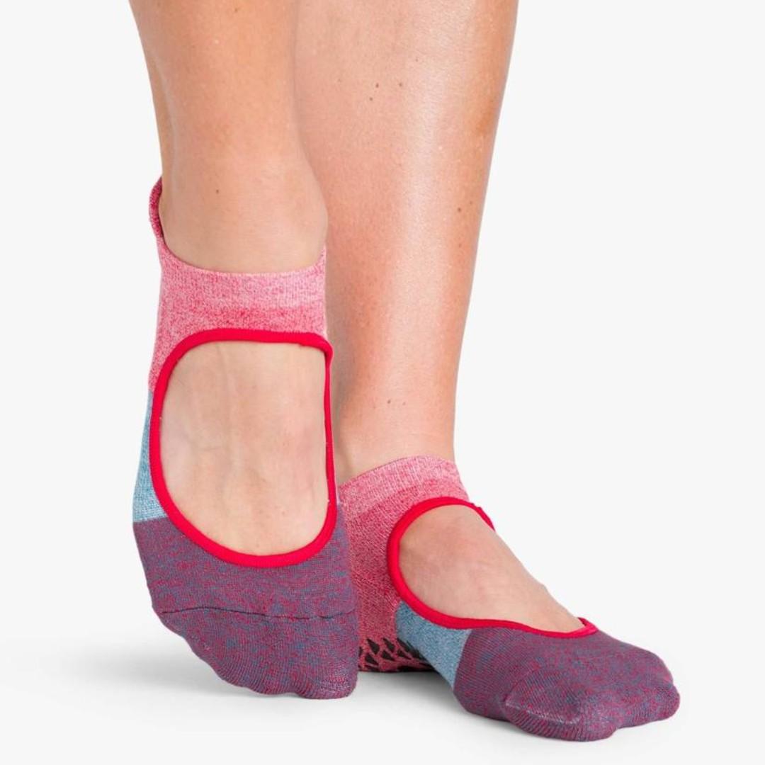 POINTE STUDIO Tessa Strap Grip Socks - Red Colorblock, S/M