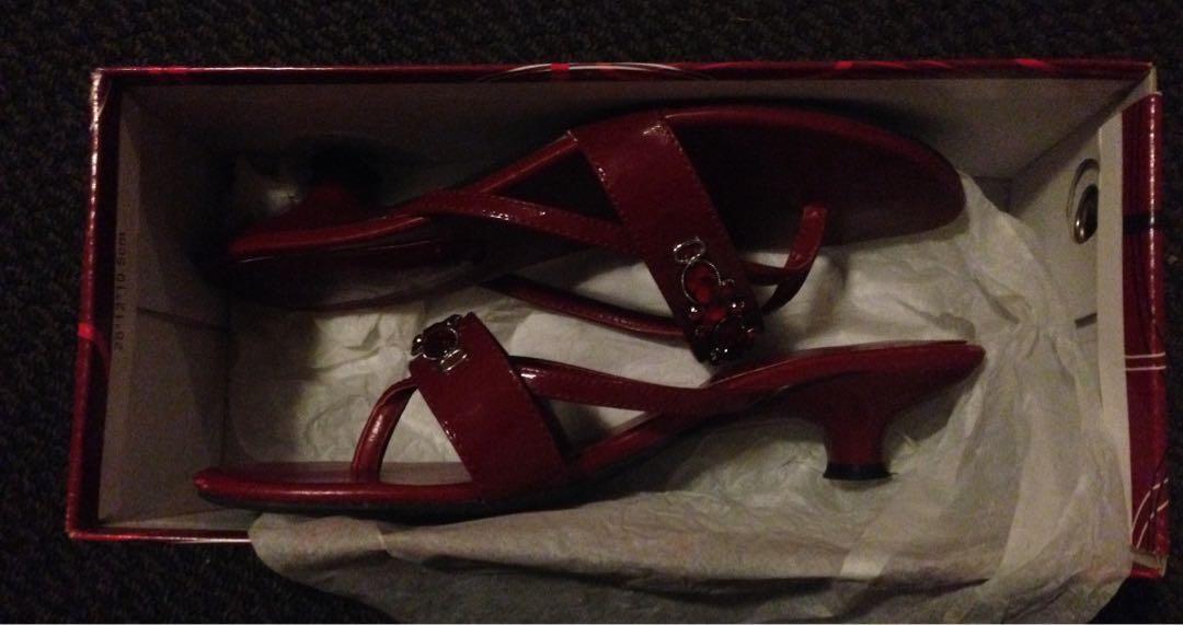 Simona ricci red shoes