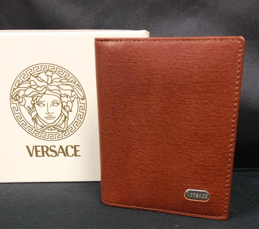 900977b37 Versace Card Wallet (AUTHENTIC), Men's Fashion, Bags & Wallets ...
