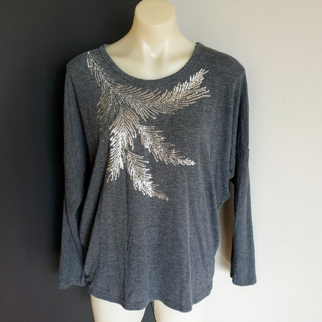 Women's size L 'TEMT' Gorgeous grey long sleeved jumper with sequins details