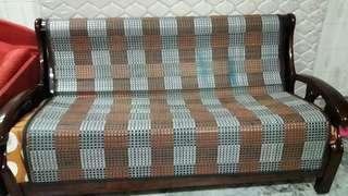 🚚 Wooden sofa for sale