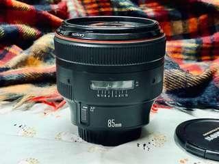 Canon EF 85mm f/1.2L (1990Ver1)